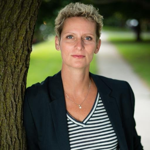 4 questions to great #hesm pros to follow: Angi Roberts, Information Services Manager – University of Guelph