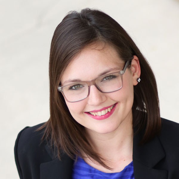 4 questions to great #HESM pros to follow: Hillary Green, Digital Specialist – The University of Texas at Arlington